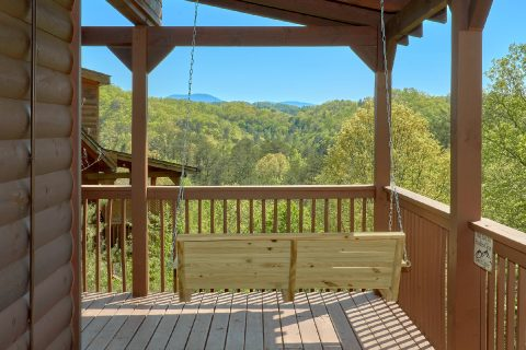 3 bedroom cabin with porch swing and views - Memory Maker