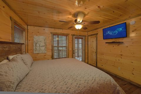 Luxury 4 Bedroom 4.5 Bath Cabin - Mirror Pond