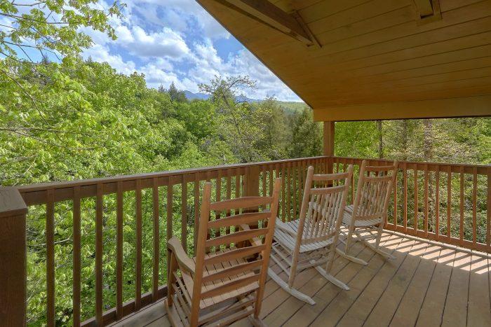 Mistletoe Lodge Cabin Rental Photo
