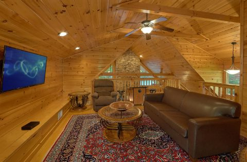 4 Bedroom Cabin Sleeps 8 in Gatlinburg - Mistletoe Lodge