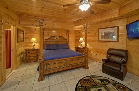 4 Bedroom Cabin with Master Bedroom - Mistletoe Lodge
