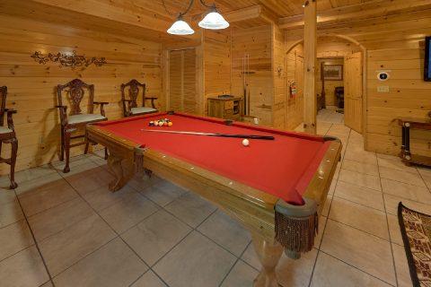 Gaame Room with Pool Table 4 Bedroom - Mistletoe Lodge