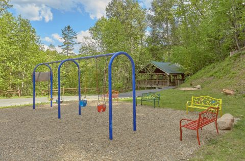 Mistletoe Lodge with Resort Amenities Play Yard - Mistletoe Lodge