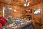 Beautiful 4 Bedroom 3 Bath Cabin Sleeps 10