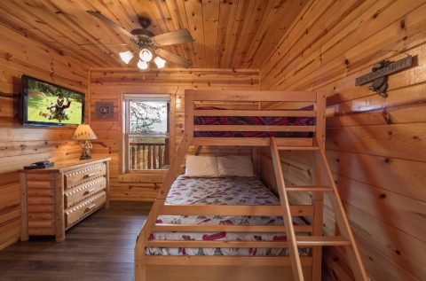 4 Bedroom 3 Bath Bunk Bed Room - Moonlight Getaway