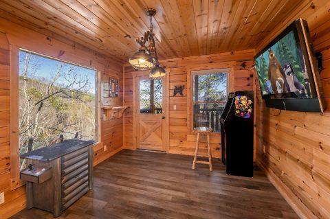 4 Bedroom Cabin in Summit View Game Room - Moonlight Getaway