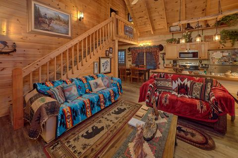 2 Bedroom Cabin with Gas Fireplace - Moonshadow
