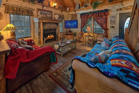 2 Bedroom Cabin with Flatscreen TV and WiFi - Moonshadow
