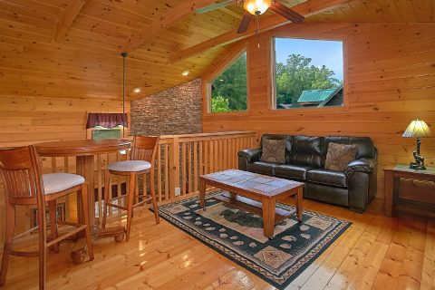 Premium Cabin with Loft and Game Room - Moonshine Inn