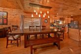 5 bedroom cabin with large dining area