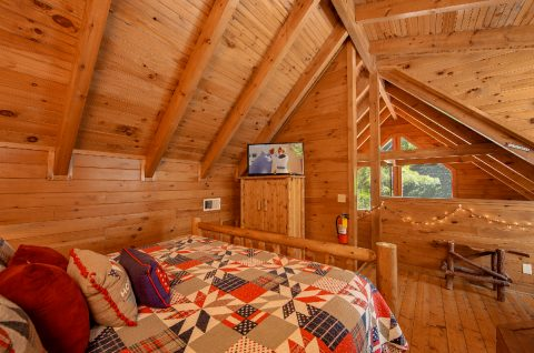 Honeymoon Cabin with spacious Master Bedroom - Moose Lake Lodge