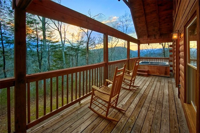 1 Bedroom Cabin with Outdoor Hot Tub - Moose Tracks