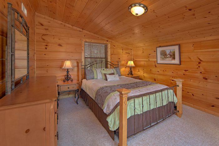 3 Bedroom Cabin with 2 Main Floor Bedrooms - Morning Mist