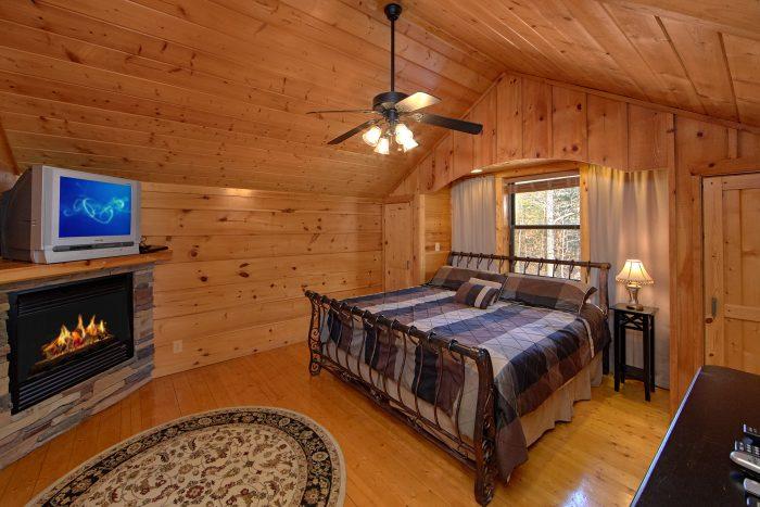 Master Suite 3 Bedroom Cabin Sleeps 9 - Morning Mist