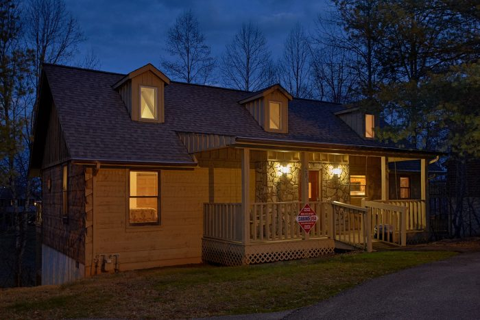 Mountain Crest Cabin Rental Photo