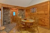 4 Bedroom Cabin with a Dining Room
