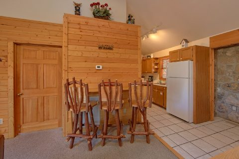 4 Bedroom Pigeon Forge Cabin with a Bar - Mountain Destiny