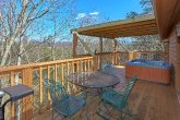Pigeon Forge Cabin with a Mountain View