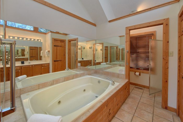 Oversize Jacuzzi Tub in Private Bath in Cabin - Mountain Fever