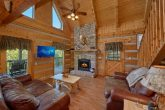 2 Bedroom cabin with Fireplace and Wooded View