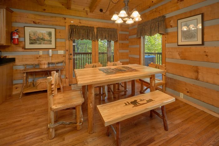 2 Bedroom cabin with dining room and Kitchen - Mountain Glory