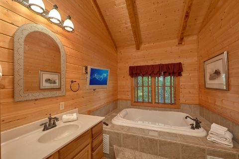 2 Bedroom cabin with private Jacuzzi Tub - Mountain Glory