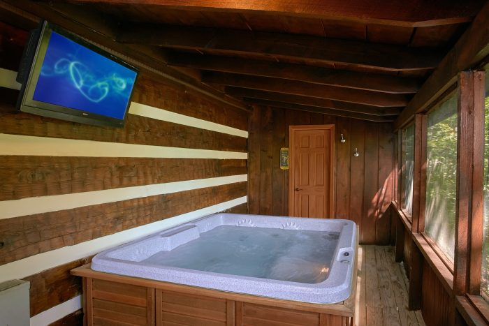 Hot Tub with TV on Deck in 2 Bedroom Cabin - Mountain Moonlight