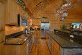 Large Kitchen 2 Bedroom Cabin Sleeps 6