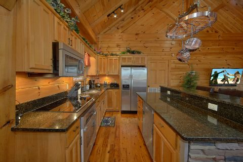 Large Kitchen 2 Bedroom Cabin Sleeps 6 - Mountain Retreat