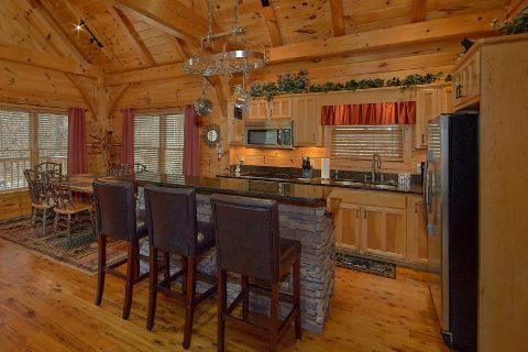 Open Kitchen with Breakfast Bar - Mountain Retreat