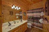 Beautiful 2 Bedroom 2 Bath sleeps 6 Cabin
