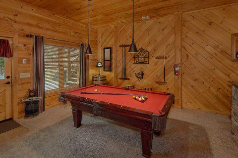 2 Bedroom with Pool Table Sleeps 6 - Mountain Retreat