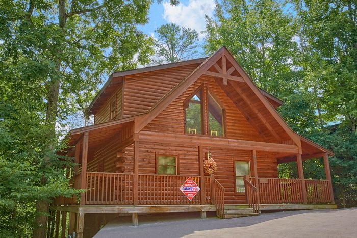 1 Bedroom Smoky Mountain Honeymoon Cabin With Pool Access