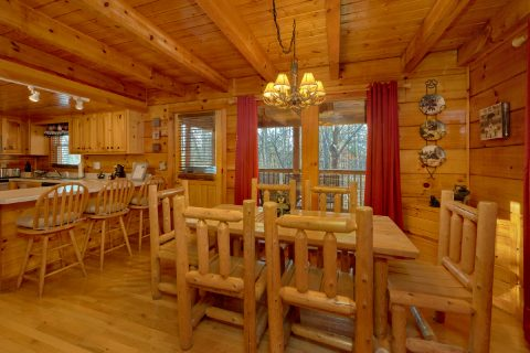 Large Dining Room in Rustic cabin - Mountain Time