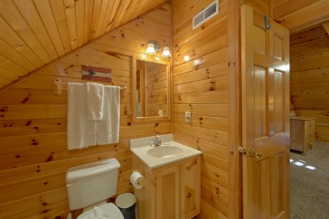 Private Bath in king Bedroom in cabin - Mountain Time