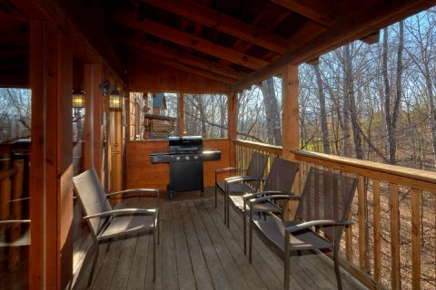 Luxury cabin with a grill, hot tub and rockers - Mountain Time