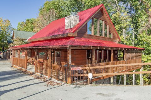 Pigeon Forge 5 bedroom cabin with flat parking - Mountain Time