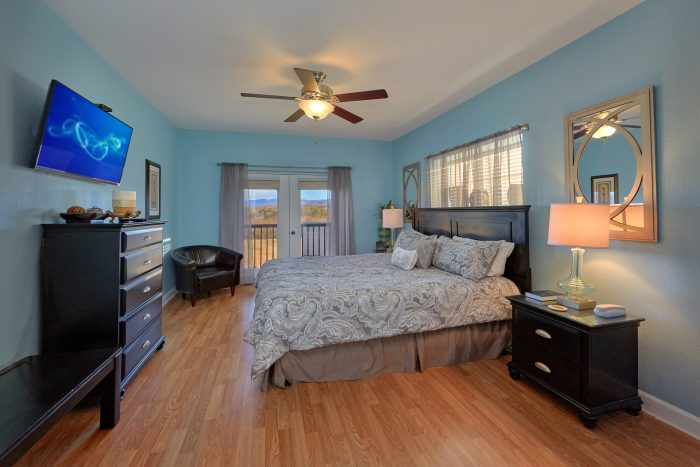 3 Bedroom Condo in Pigeon Forge with King Bed - Mountain View 2607