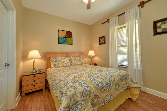 Luxury Condo with Queen Bed - Mountain View 2607
