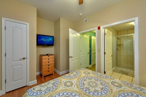 Pigeon Forge Condo with Queen Bedroom - Mountain View 2607