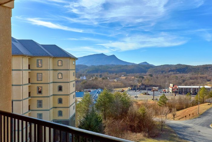 Premium 3 Bedroom Condo with a View - Mountain View 2607