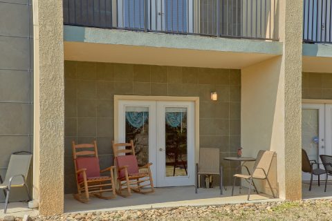 Spacious 2 Bedroom Condo with Private Patio - Mountain View 5102