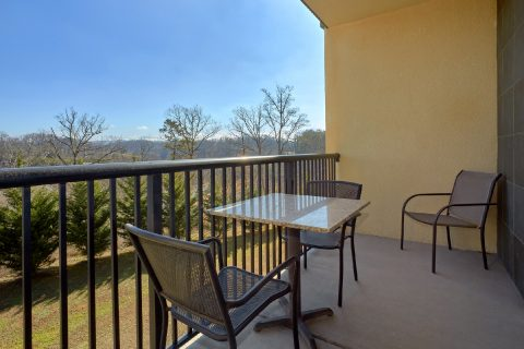 Luxurious Condo with Private Balcony and View - Mountain View 5305