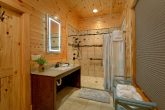 8 Bedroom Cabin with a ADA Main-Level Bathroom