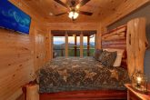 8 Bedroom Pool Cabin with a King Bed