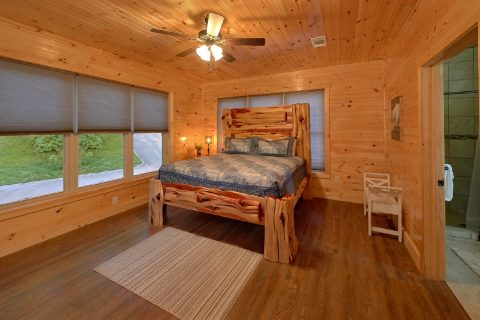 8 Bedroom Pool Cabin with 8 Bathrooms - Mountain View Pool Lodge