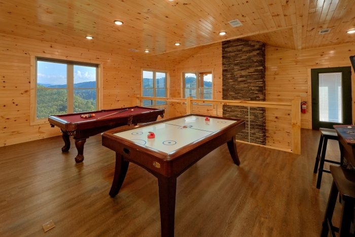 8 Bedroom Pool Cabin with a Billards Table - Mountain View Pool Lodge