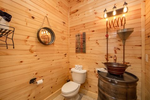 8 Bedroom Cabin with Moonshine Still Bathroom - Mountain View Pool Lodge