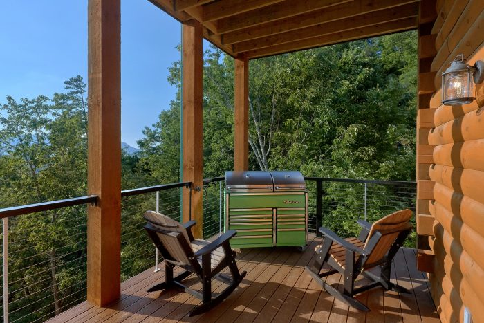 8 Bedroom Pool Cabin with a Tool-box Gas Grill - Mountain View Pool Lodge