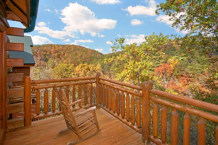 8 Bedroom Cabin Sleeps Pigeon Forge with Views - Grand Theater Lodge
